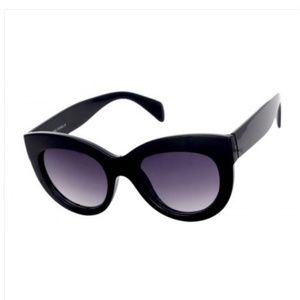 THICK CAT EYE BLACK SUNGLASSES NEW